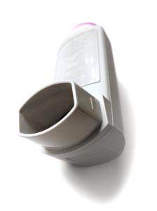 Bílý respirátor pro astmatiky