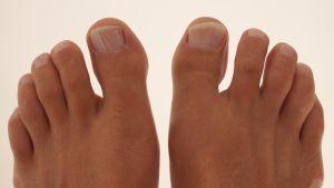 Fotografie mužských nohou