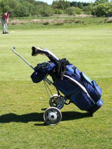golfová taška s golfovým náčiním