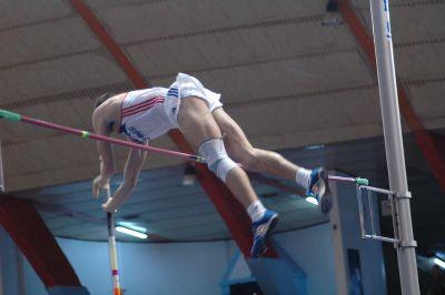 David Sazima skok o tyči