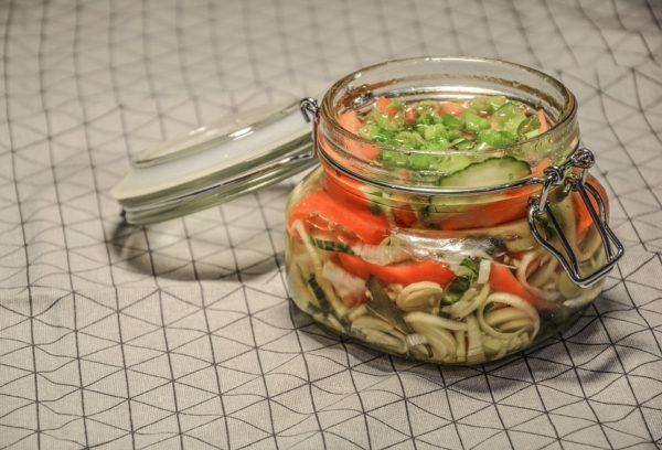 Výroba kvašené zeleniny do sklenice