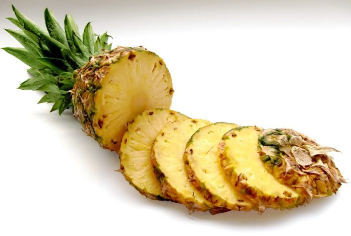 Jak oloupat a nakrájet ananas