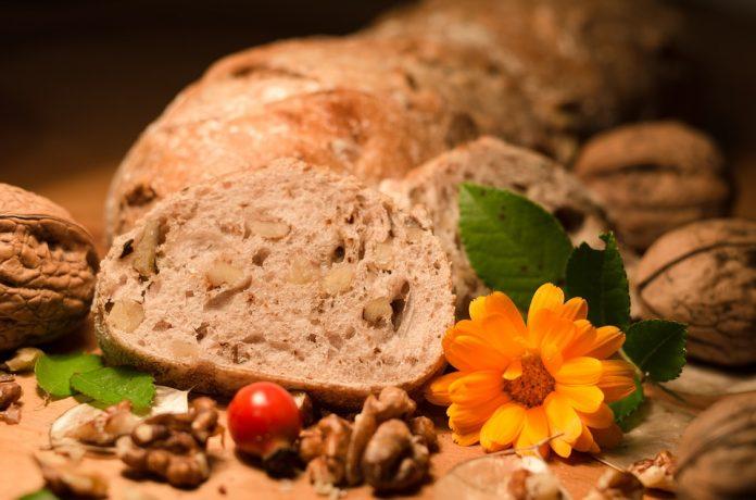 Kváskový chléb z domácí pekárny
