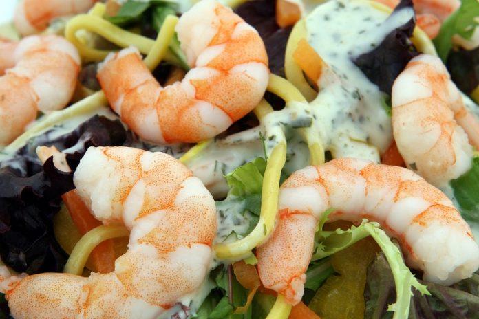 Krevety a salát