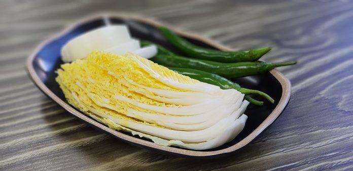 Pekingské zelí na talíři
