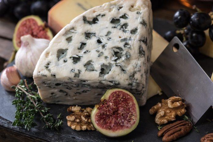 Fíky s modrým sýrem