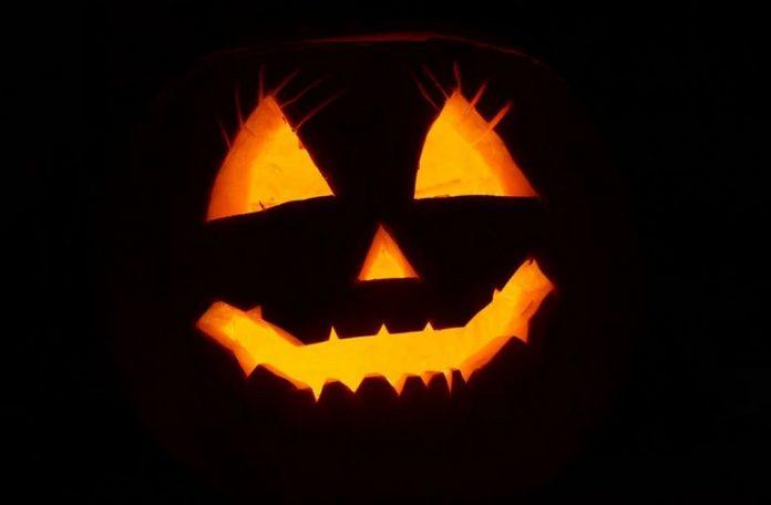 Halloweenská dýně